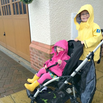 A walk in the rain + Hamster buggy bag giveaway