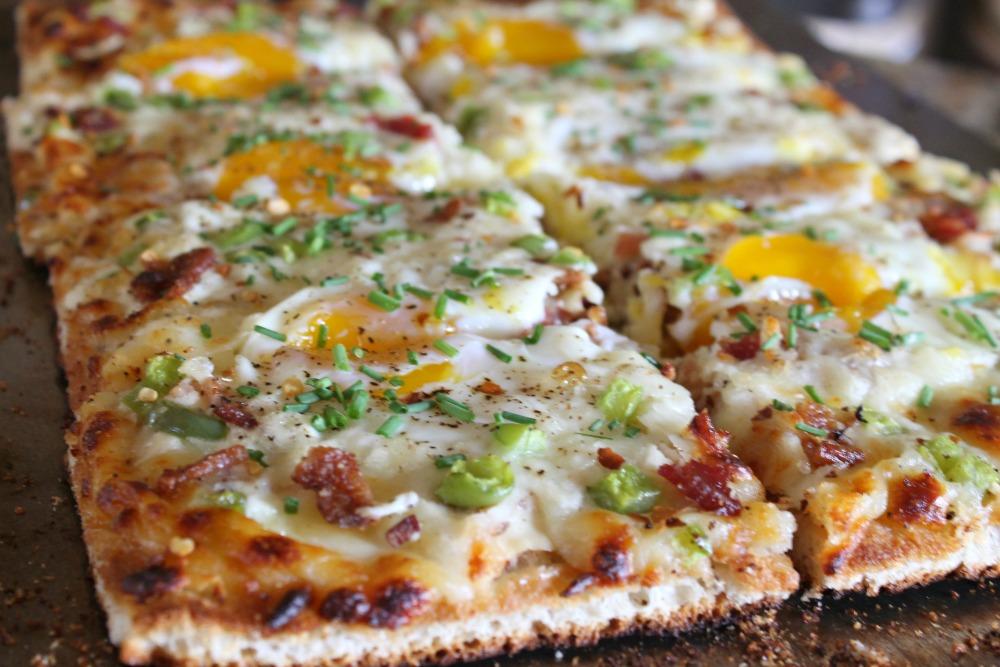 Egg & Bacon Breakfast Pizza Recipe