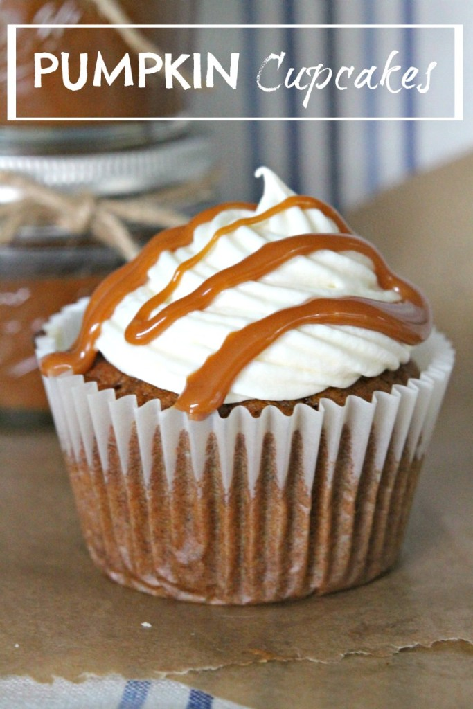 Pumpkin Cupcakes, Cream Cheese frosting & Salted Caramel drizzle // Recipe