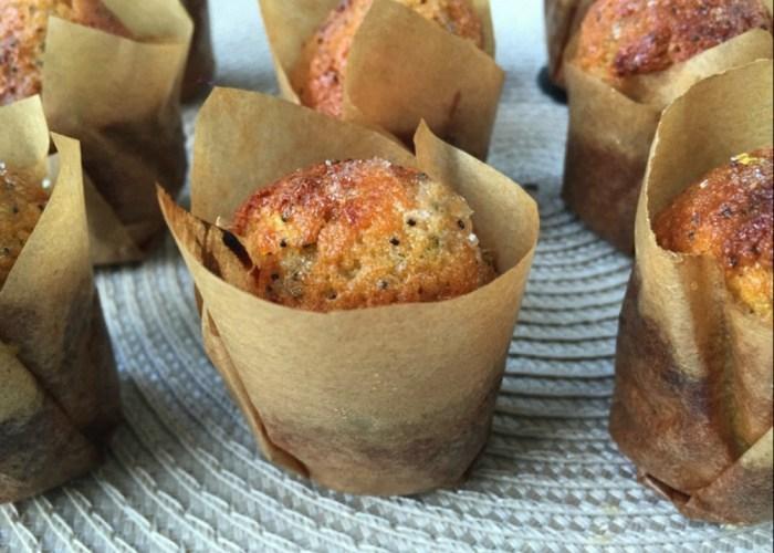 Sweet Poppyseed Muffin Bites // Recipe