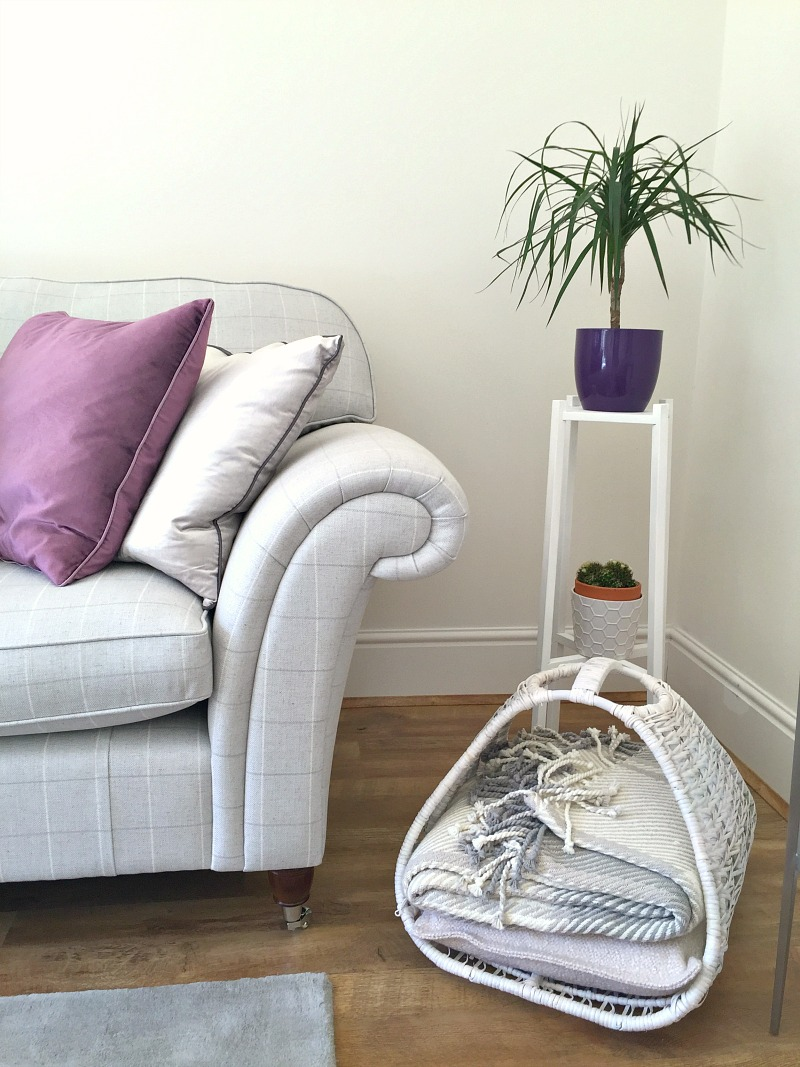 styling the season april with chalk paint spray