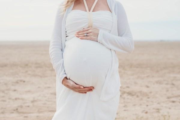 A Maternity Photoshoot on the Beach