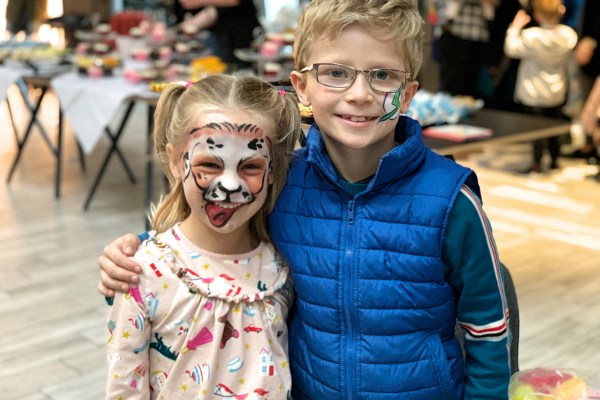 The Lowry theatre Igglepiggle upsy daisy face painting
