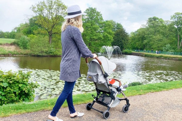 Ickle Bubba Compact Travel Stroller review