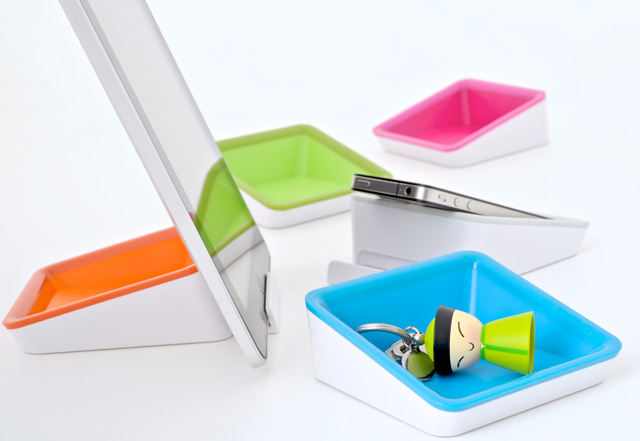 Nest multi functional iPad 2 stand from Bluelounge