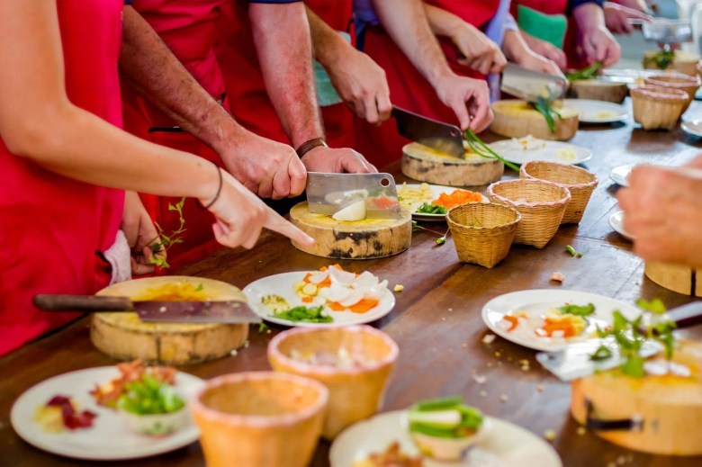 People taking a thai cooking class in phuket