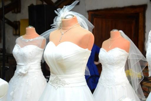 ozdoba sukni ślubnej