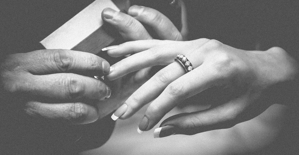 pierścionek zareczynowy
