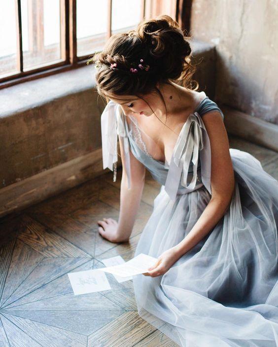 szare suknie ślubne