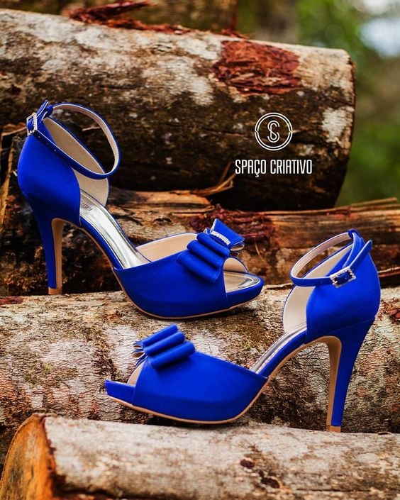 Niebieskie buty ślubne