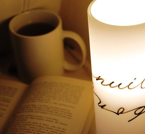 Détail des lettres et de la calligraphie | Lampe pour la déco d'intérieur