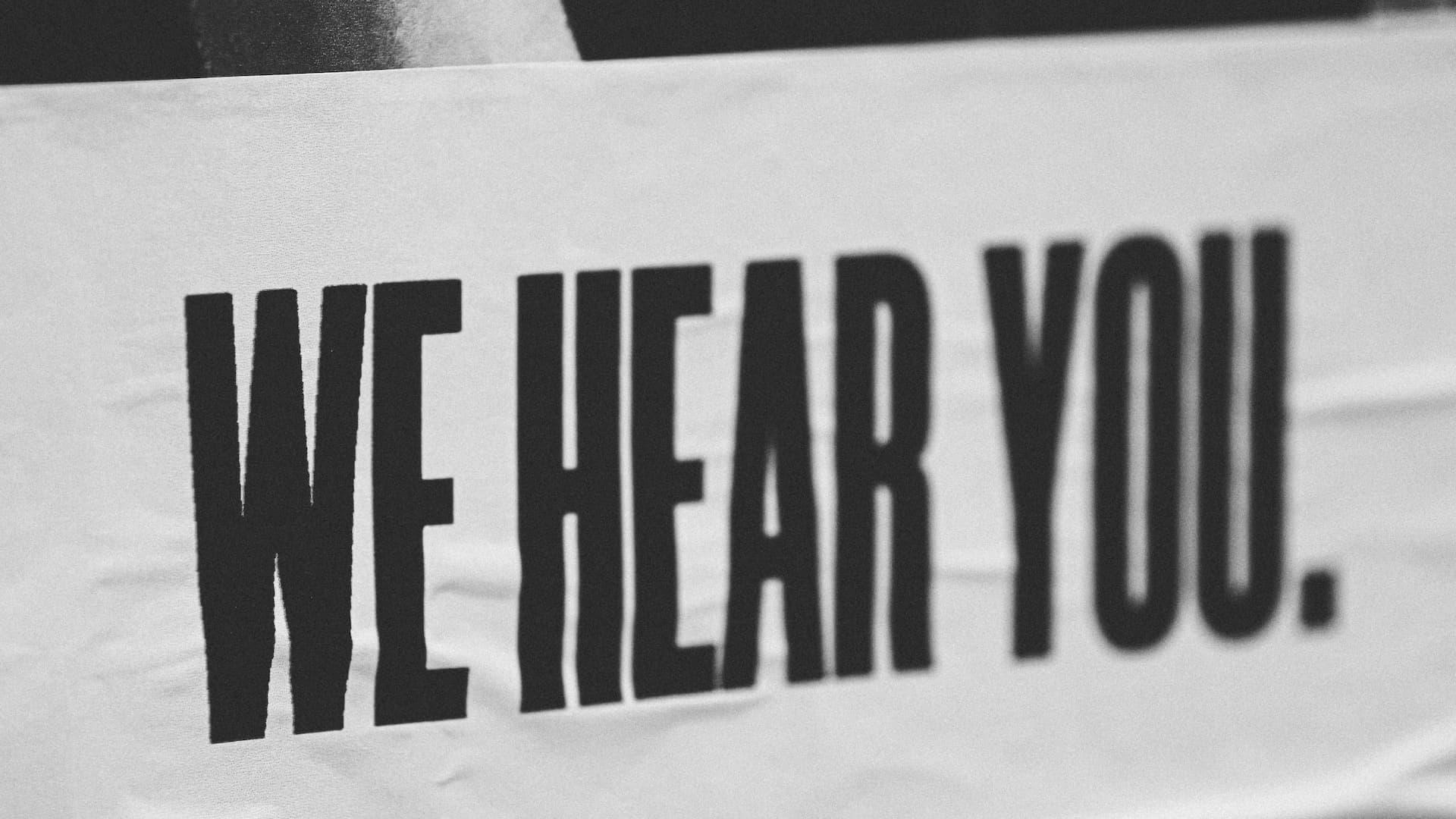 Geïnteresseerd luisteren
