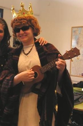 Yes, I know its a ukulele and not a lyre. A girls gotta work with what she has, aright?!