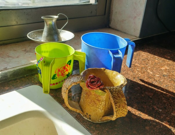 photo of three two-handled washing cups