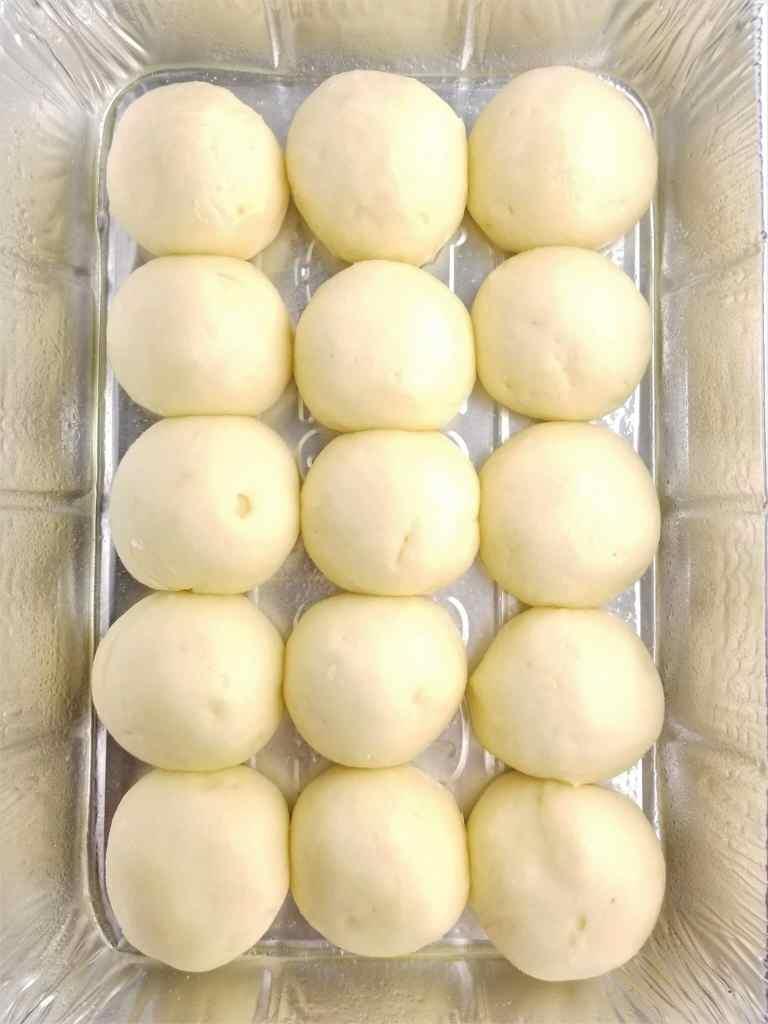 risen hawaiian rolls before baking