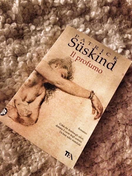 """La copertina de """"Il profumo"""" di P. Suskind"""