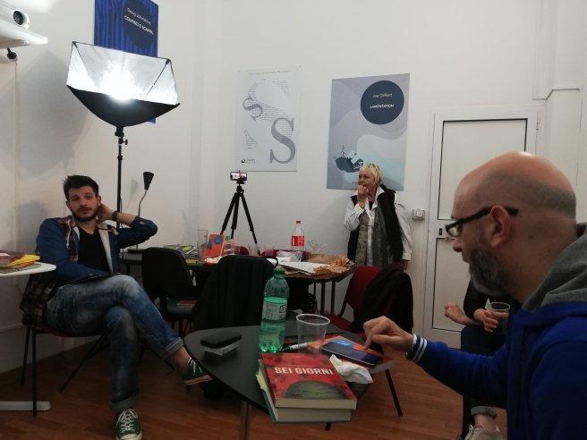 Un altro momento del gruppo di lettura di Casasirio, le proposte di lettura per il mese successivo