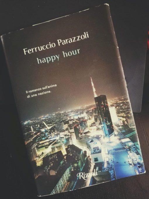 """Il libro di Ferruccio Parazzoli, Happy hour, una distopia tutta italiana che si svolge a Milano. Con evidenti riferimenti a La peste di Camus, Perazzoli, ricostruisce una """"peste"""" contemporanea generata da una società alla deriva"""
