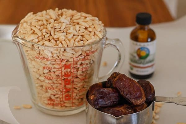 A few ingredients for Date and Puffed Rice Cookies