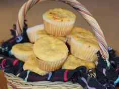 Easy Green Chile and Cheese Corn Muffins