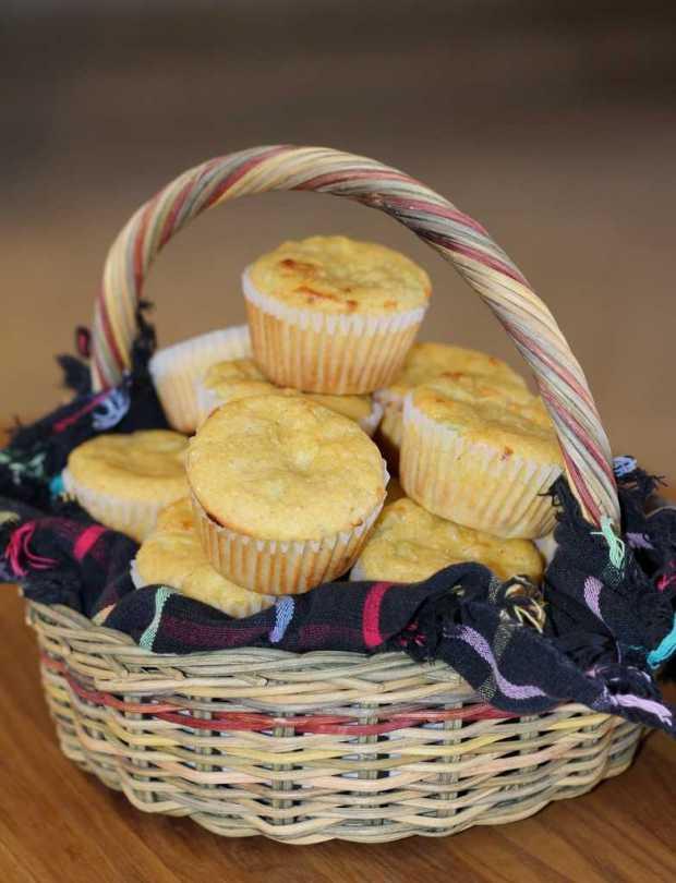 corn muffins basket