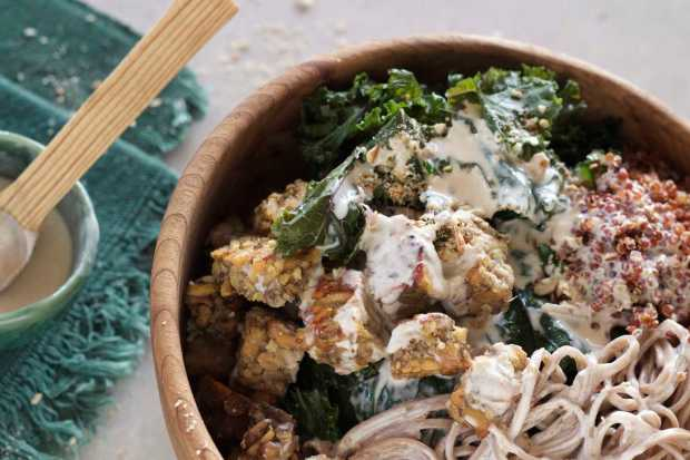 Soba Noodle and Kale Bowl with Crispy Tempeh and Tahini Sauce