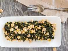 Healthy Paprika Kale, Baked Tofu and Almonds