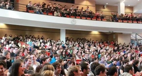 Université d'Auvergne - Clermont-Ferrand - Amphi Facultes Medecine Pharmacie 3 © Service Communication UdA - décembre 2012