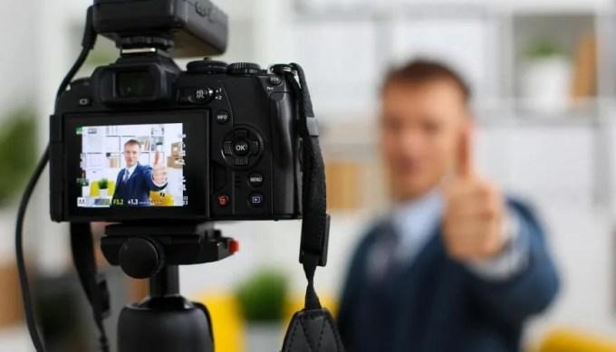 Pour attirer l'œil et retenir l'attention du recruteur, le CV créatif peut être la solution. //©AdobeStock