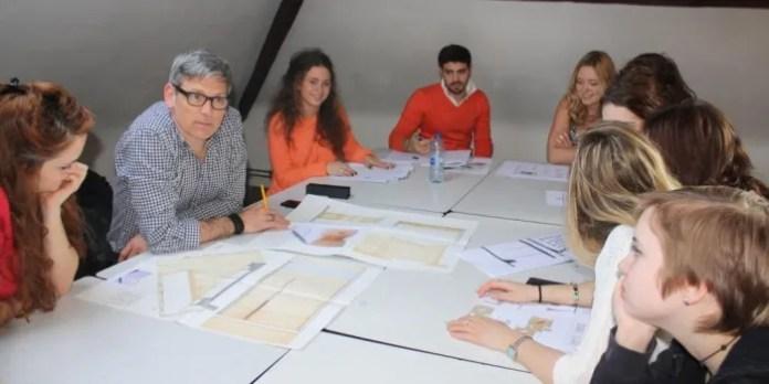 Les étudiants français apprécient la dimension humaine des écoles d'art belges  (un cours au CAD de Bruxelles).