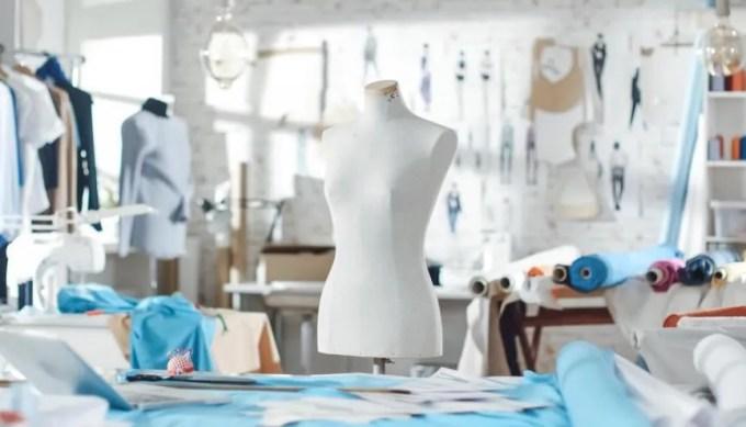 Le secteur de la mode propose un large choix de formations. //©Gorodenkoff Productions/iStock
