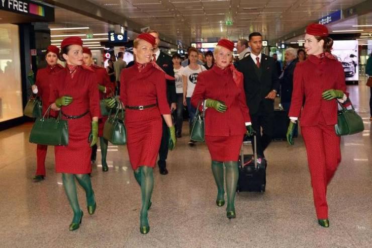 novità Alitalia: divise rosse e verdi