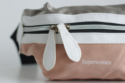 Fanny Pack Superwomen Pink Detail