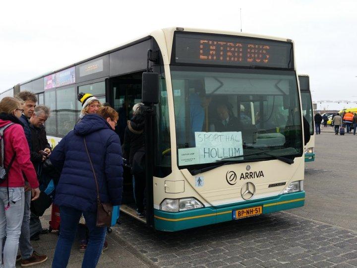 Met de bus naar Hollum.