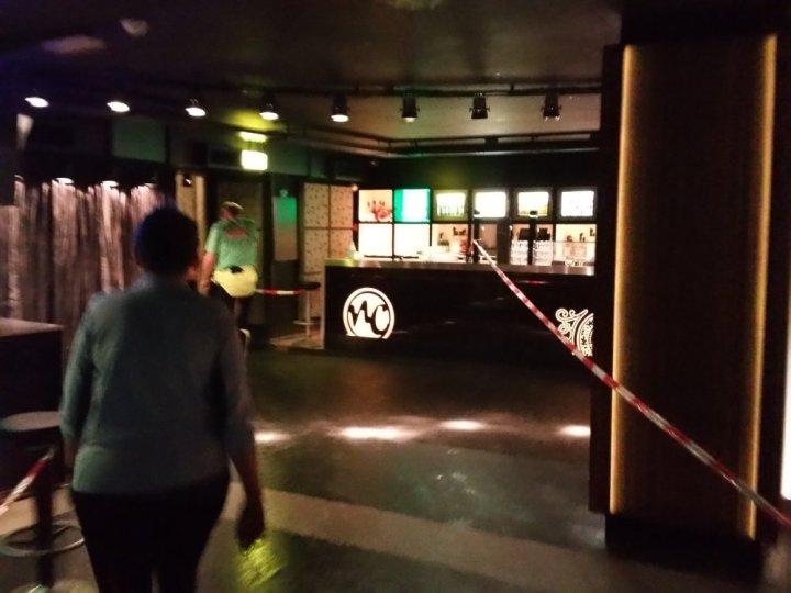 De schuilkelder onder het Newscafé.
