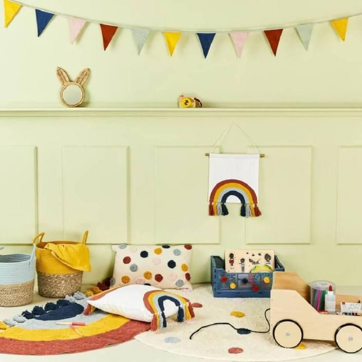 De leukste slingers voor je kind: vlaggetjes voor binnen en buiten. De Hema heeft goedkope slingers en vlaggetjeslijnen
