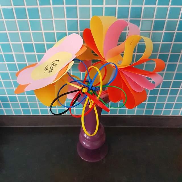 bloemen knutselen voor Valentijnsdag of juffendag
