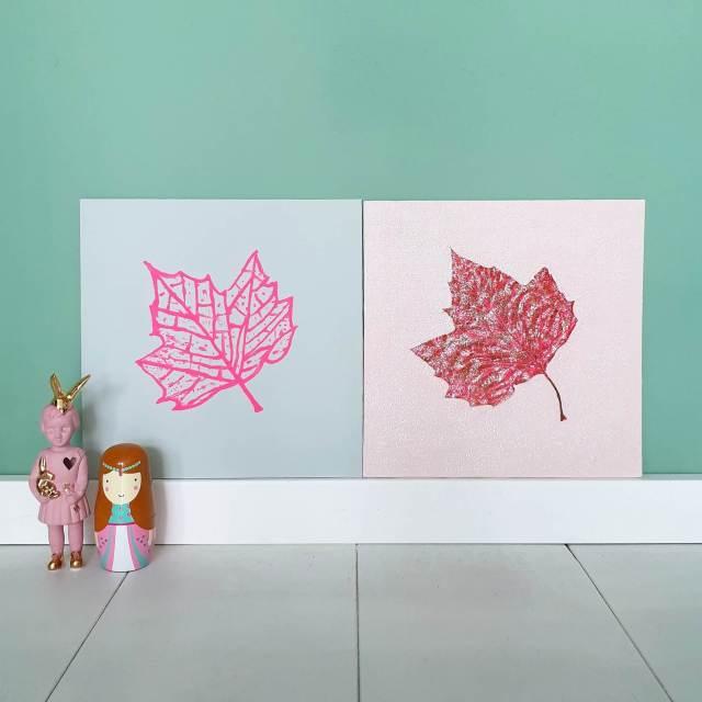 Een herfst schilderij knutselen met bladeren