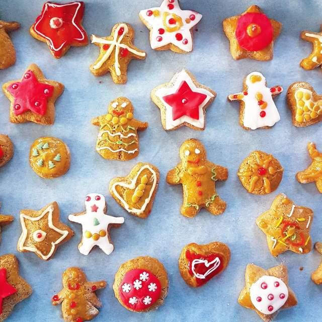Kerst knutselen met eten: zoete recepten en ideeën - kerstkoekjes zelf versieren