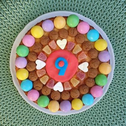 Sinterklaas knutselen met eten: leuke recepten en ideeën - pepernoten taart of cake knutselen