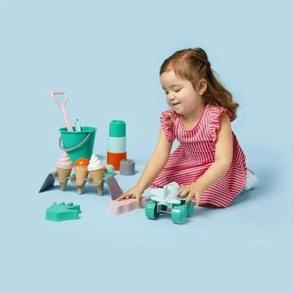 Ook bij de Hema kun je zandbakspeelgoed van bioplastic kopen.