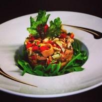 Salade de poulpe en persillade, croustade de poivrons confits