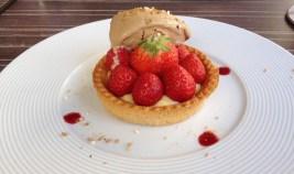 Tarte aux fraises Mara des Bois, sorbet au réglisse