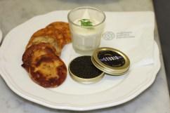 Caviar Ascipencer Baerii Sturia, Blinis et crème triple d'Isingy AOP