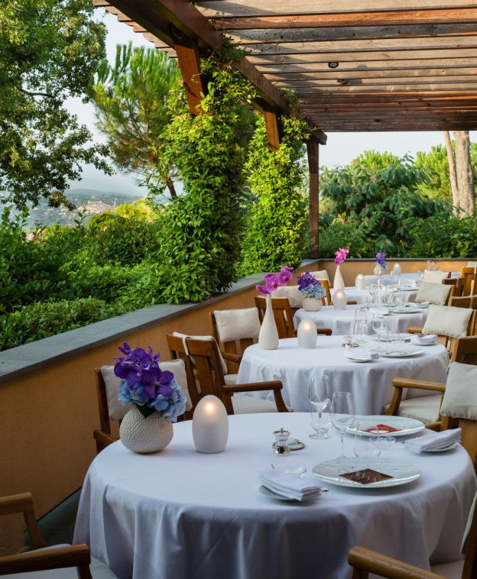 Le Faventia, côté terrasse....