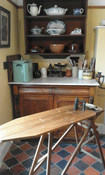 Guests can use vintage or modern kitchenware