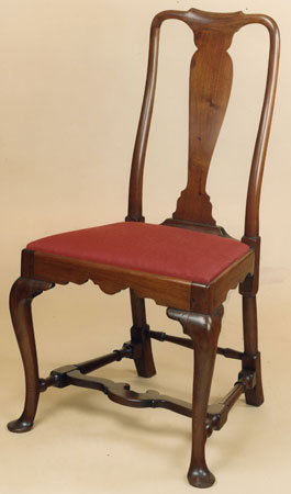RARE QUEEN ANNE SIDE CHAIR WITH ROUNDED STILES AND A FLAT STRETCHER