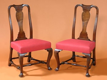 A PAIR OF QUEEN ANNE SIDE CHAIRS