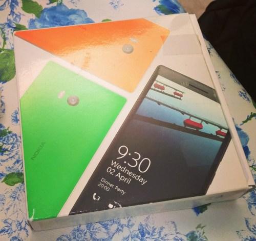 Lumia 930 Box