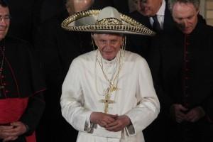 Benedict XVI Sombrero Mexiko 25 Mrz 2012_2